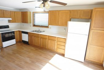 2 Bedroom Pet Friendly Duplex Available!