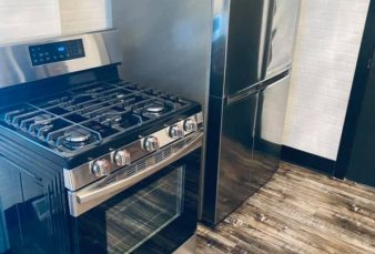 High-End Student Rental – Maxwell House!